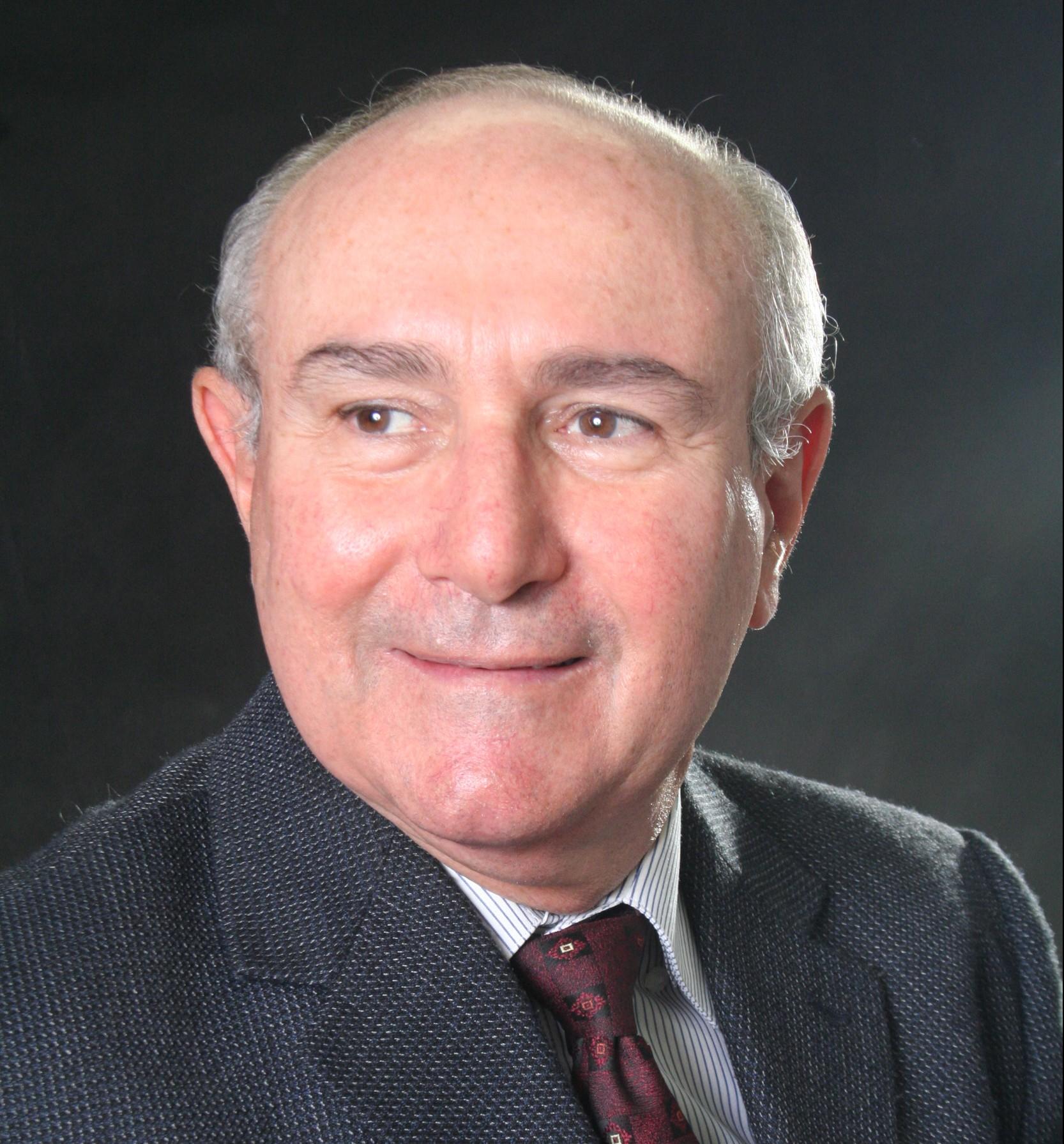 Dr. Delcik Dutra