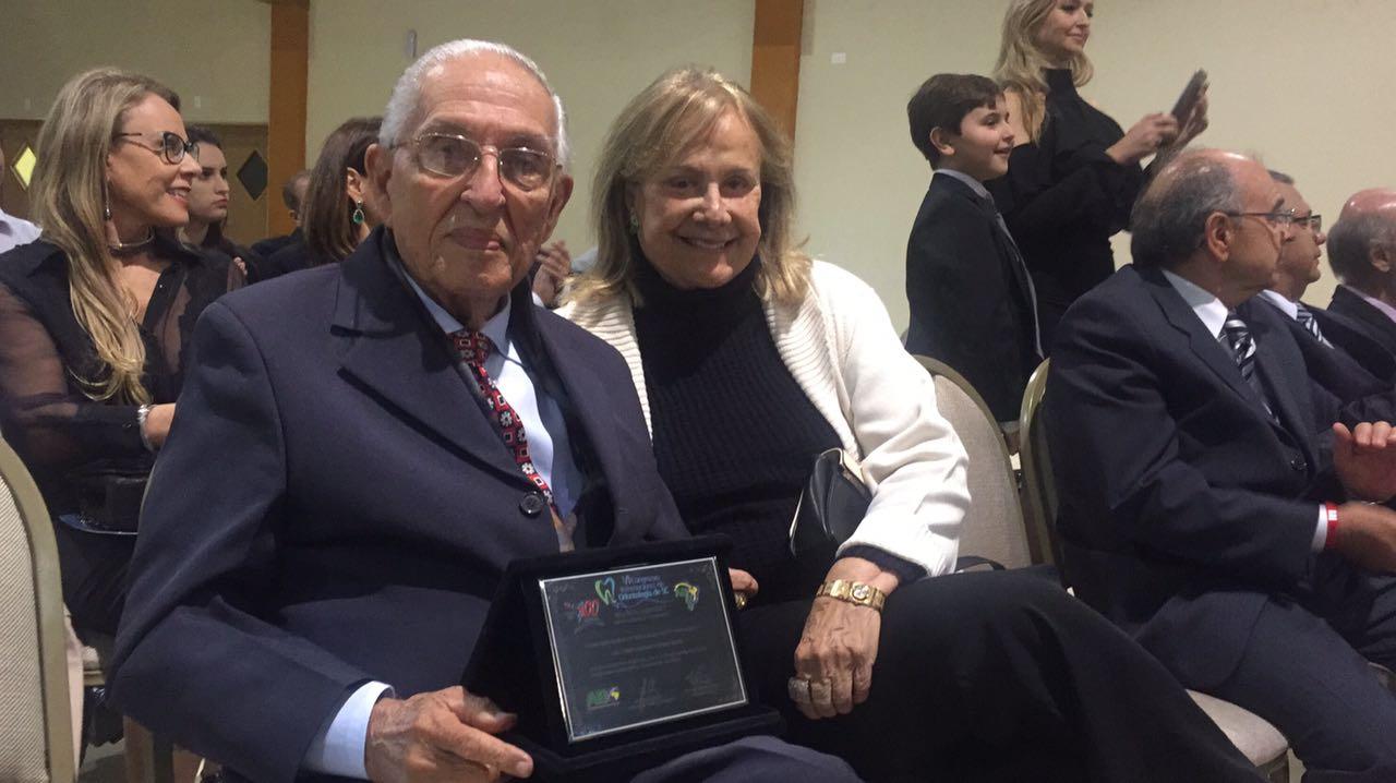 O homenageado Dr. Lauro Araripe e esposa